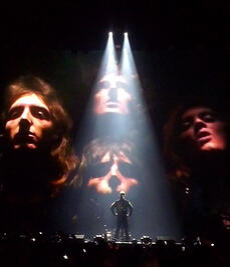 Queen-Performing