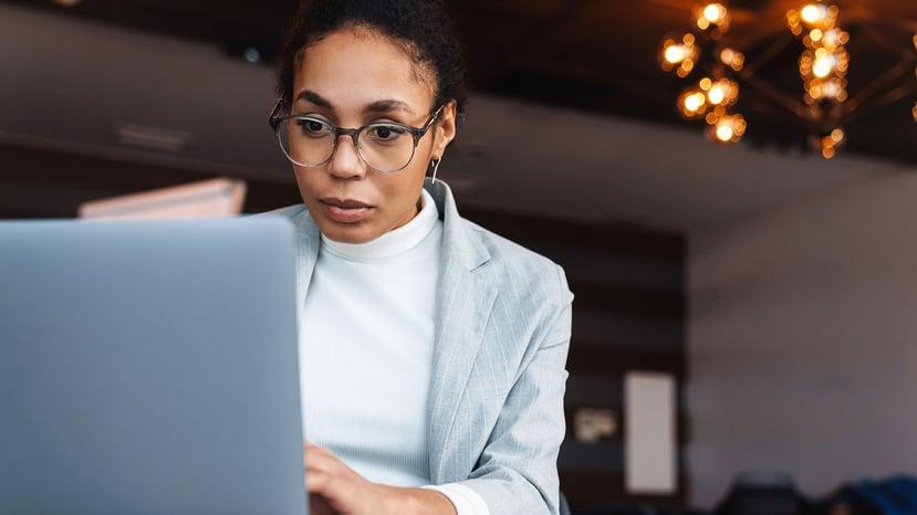 businesswoman-working-alone